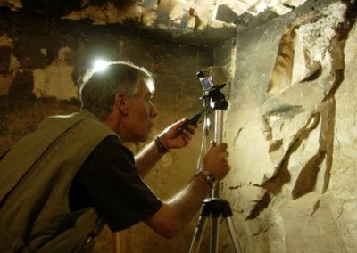 Conservación de las paredes de la tumba de Djehuty