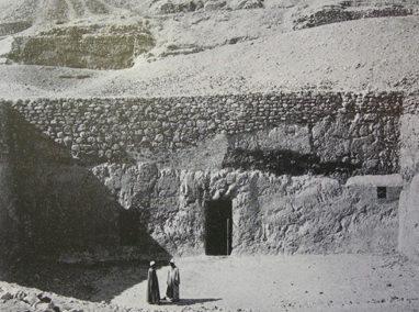 Patios de Tumbas Tebanas de época de Djehuty