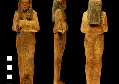 Shabti con inscripción