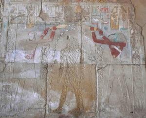 Hatshepsut siendo 'bautizada' por Horus y Tot, en una capilla de Karnak.