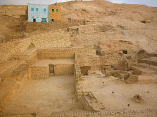 Estudio de dos depósitos funerarios de recipientes cerámicos saítas