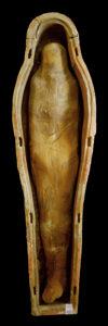 Dama Blanca, de la dinastía XXI, enterrada sobre el patio de entrada a la tumba de Djehuty
