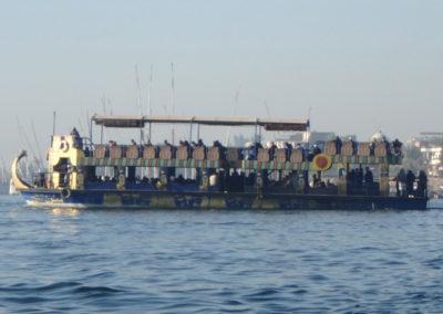 El ferry cruzando el Nilo por la mañana.
