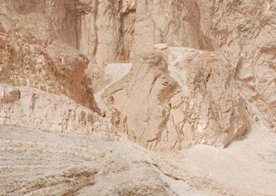 Javier Trueba paseando por el valle del color a pesar del calorazo que hacía esta mañana.