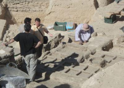 Arqueobotánicos en el jardín.