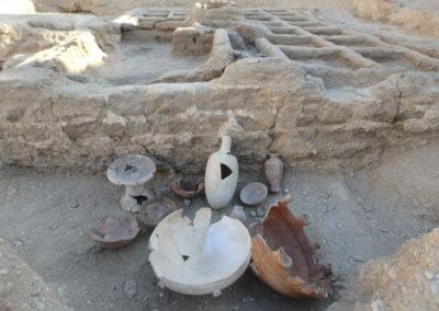 Bodegón con la principal cerámica hallada alrededor del jardín.