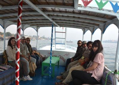 En barca hacia Karnak.