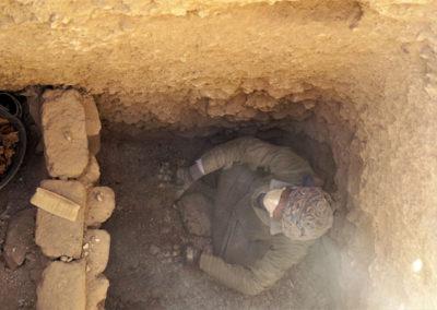 Ibrahím es, tal vez, quien más pozos ha excavado en el yacimiento.