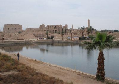 El lago sagrado de Karnak.