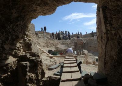 Vista desde el interior de la tumba que excava Carlos.