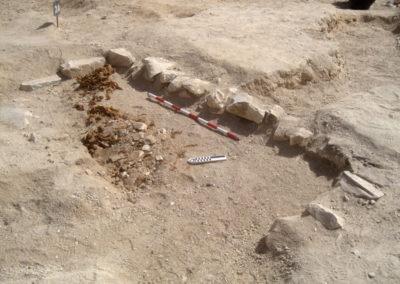 El brocal de un nuevo pozo funerario sale a la luz en la zona de José Miguel.