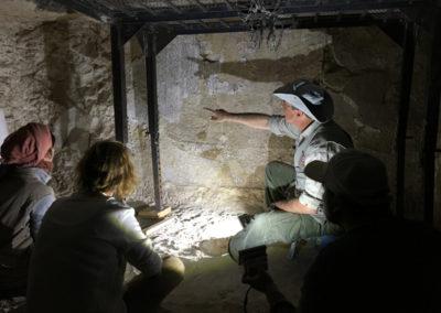 El mudir explica algunos detalles del Libro de los Muertos escrito en la cámara sepulcral de Djehuty.