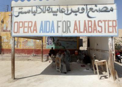 De telón de fondo, Opera Aida for Alabaster. Hasta el año que viene.