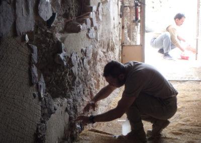 Miguel Ángel alterna la consolidación del jardín con la reconstrucción de la pared derecha de la tumba de Hery.