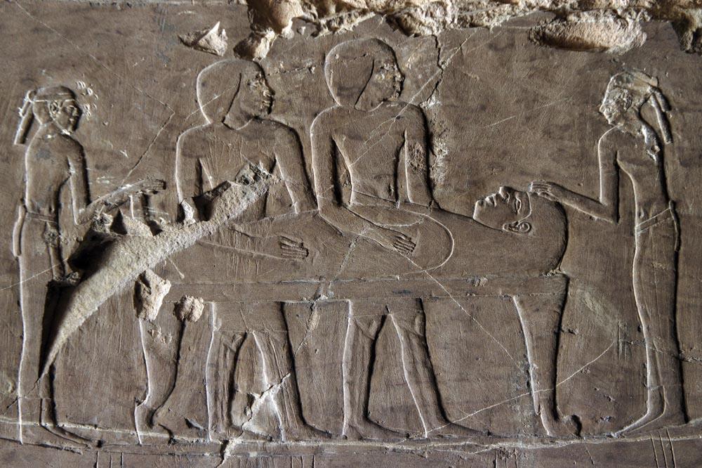 Ataúd de Hery cruzando el Nilo sobre una barca.