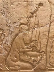 Detalle de una escena de banquete a la entrada de la tumba de Djehuty.