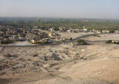 Lo que se ve desde arriba de la colina de Dra Abu el-Naga.